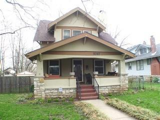 American craftsman bungalow at home in kansas city with for American craftsman style homes