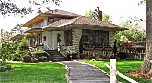 Pick of the week prairie style craftsman bungalow in for Design homes kc