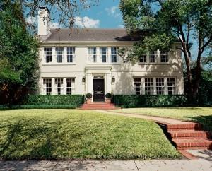 Exterior+brick+pathway+leading+Houston+home+BcKQFZdd2yyl-2