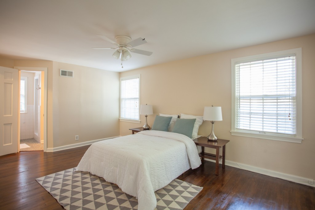 bedroom staging neutral