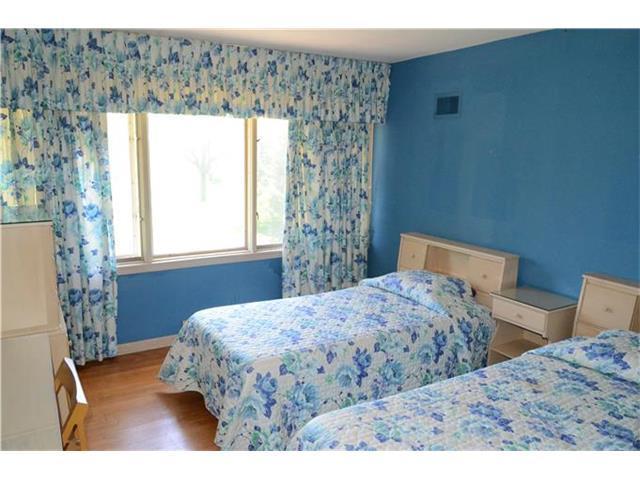 bedroom retro